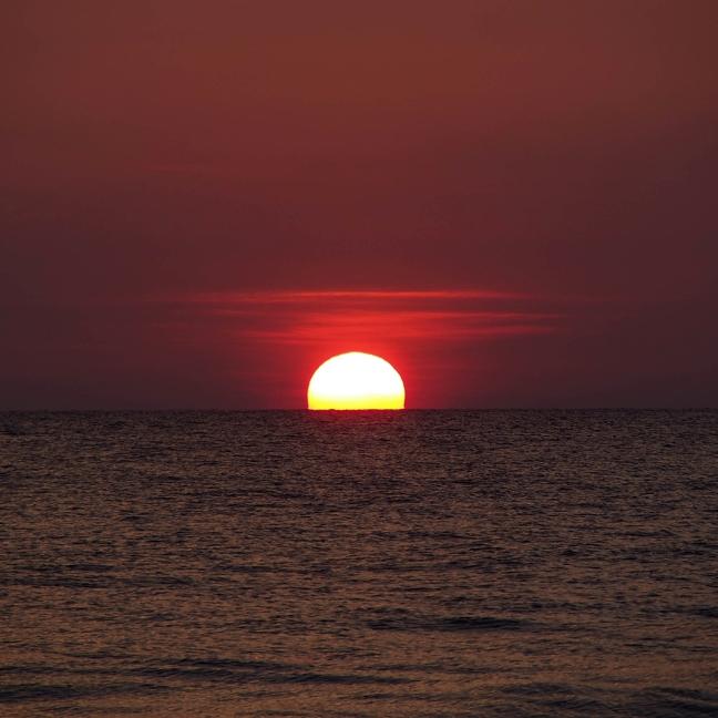 03934_sunsetonsrilanka_1024x1024