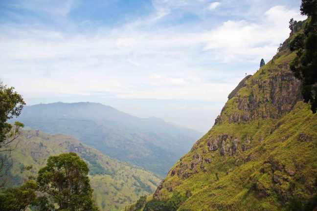 ella_rock_mountains_view_hiking_sri_lanka